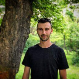 Endrit Kryeziu - Social Media Manager
