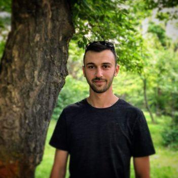 social media manager - Endrit Kryeziu